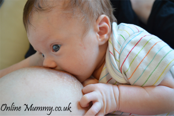 Online Mummy Our First Month Of Breastfeeding 1 Our First Month Of Breastfeeding mummy blog mummy and baby milk supply latch breast feeding baby girl baby blog baby amelia